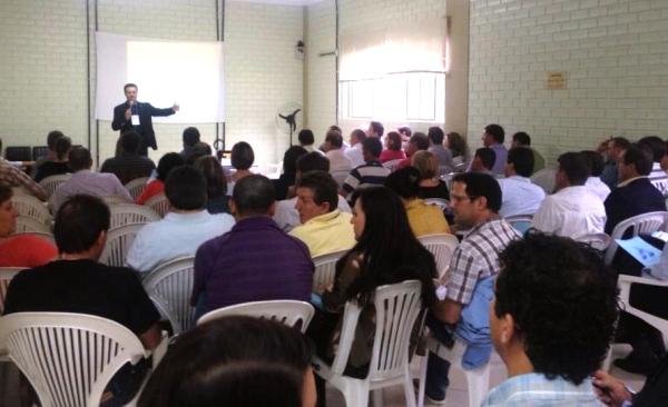 Deputado federal Giovani Cherini reúne mais de 130 lideranças políticas em curso de marketing governamental
