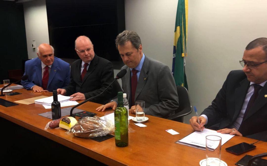 Bancada Gaúcha recebe projeto que prevê recursos ao Caminho do Pão e do Vinho