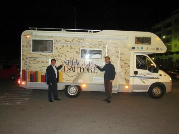 """A """"Spiagge d'autore"""", in Puglia, con Amir Valle"""