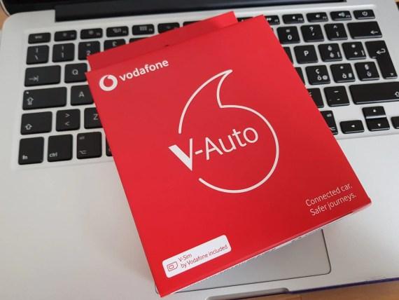 V-Auto by Vodafone: la porta OBD comunica con lo smartphone