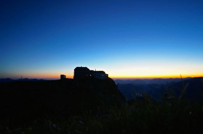 Das Watzmannhaus im Morgengrauen
