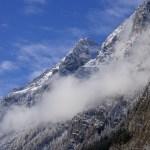 Der dem Kleinen Watzmann vorgelagerte Mooslahnerkopf zeigt sich leicht bezuckert © Gipfelfieber.com