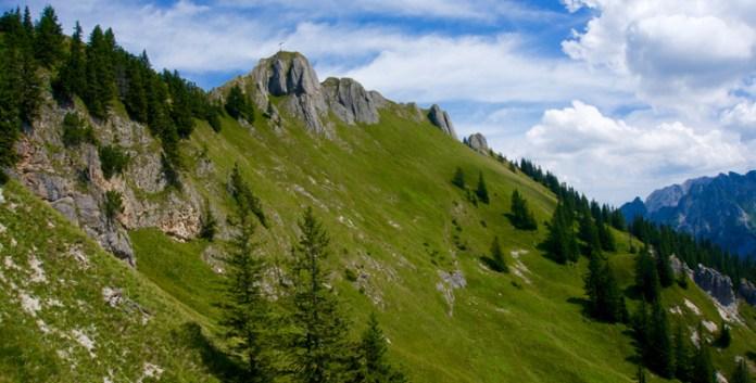 Am Tegelberg: Schloss, Klettersteig & Gipfelkreuz