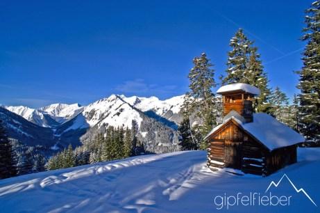 Januar: Liegfeistgruppe vom Joch in den Lechtaler Alpen ©Gipfelfieber