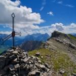 August: Die zwei Gipfelkreuze der Gartner Wand ©Gipfelfieber