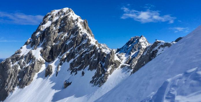 Skitouren rund um die Coburger Hütte: Pulverglück im Schwärzkar