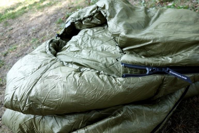 Kopfteil des Cumulus Intense Schlafsack mit regulierbarer Kapuze