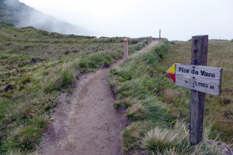 Wegweiser zum Pico da Vara