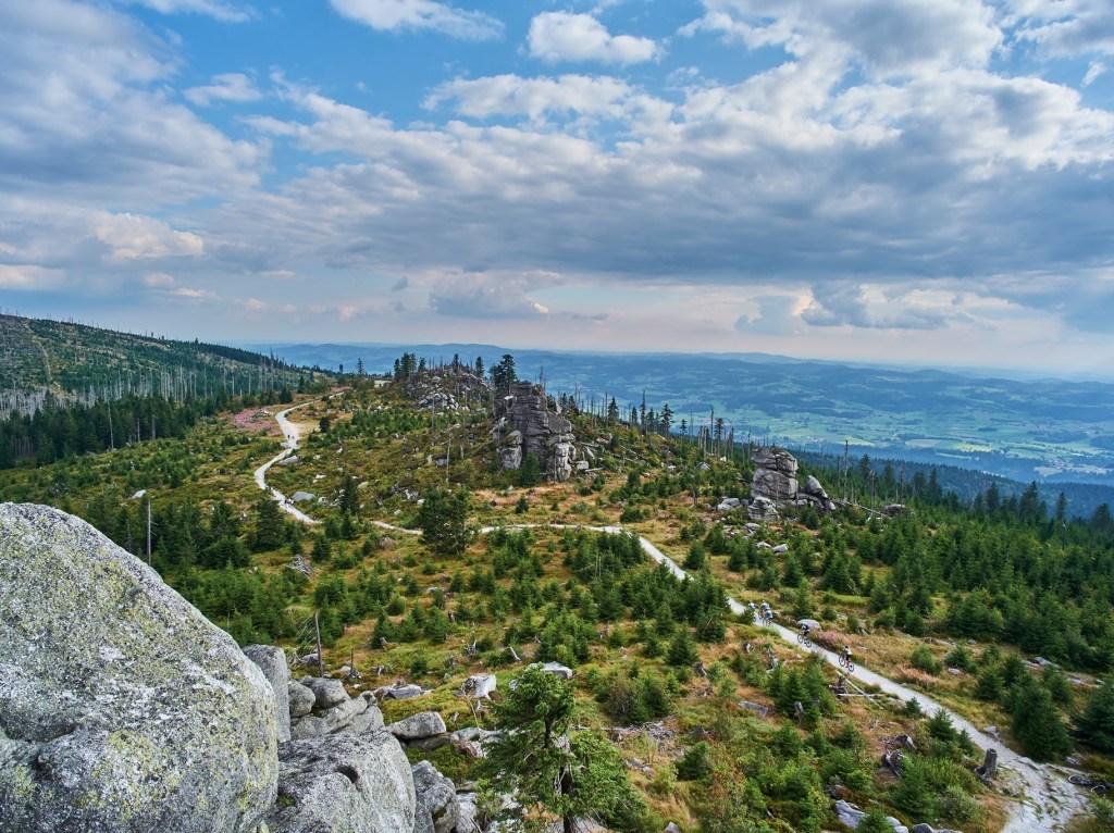Die Trans Bayerwald führt auf 700 km durch den Bayerischen Wald.