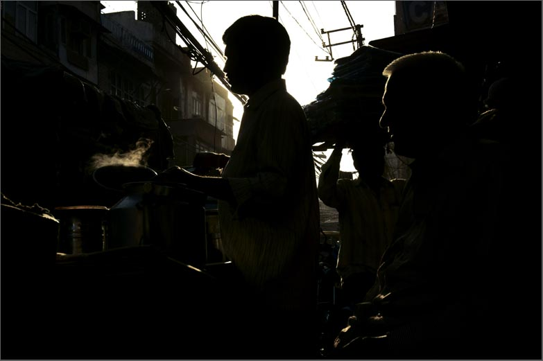 Chawri bazaar : walking through Old Delhi streets