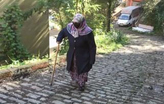 78 yaşında Kur'an-ı Kerim öğrenmek için her gün Halk Eğitim Merkezi'nin yokuşunu çıkıyor
