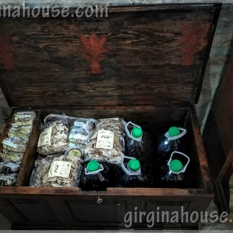 В механата на Вила Гиргина има и домашно вино