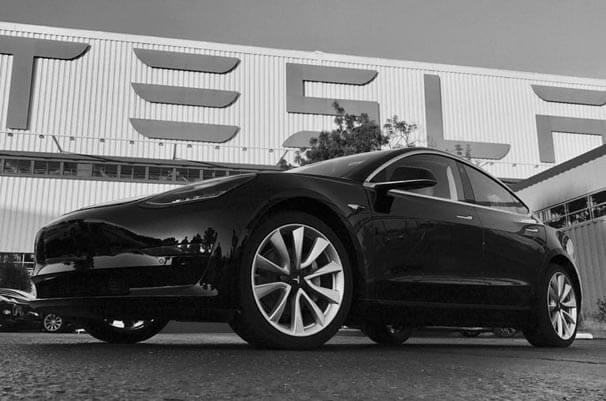 Elon Musk İnstagram'ından Paylaştı:Tesla'nın Uygun Fiyatlı Otomobili