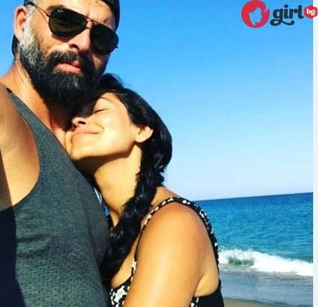 Мехмет Акиф и приятелката му