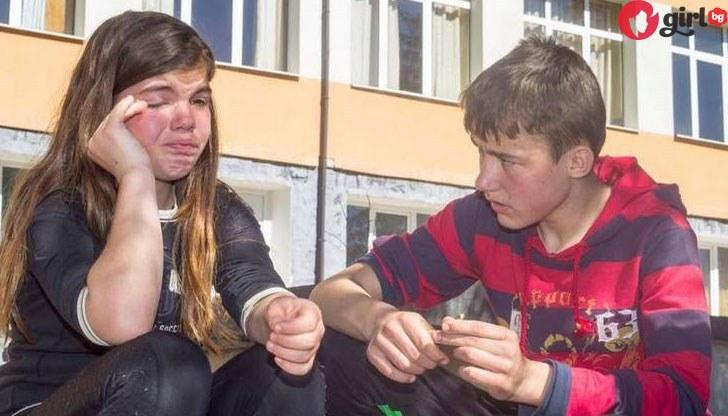 Цяла България потъна в сълзи: Историята на 2 бедни български деца, които живеят в къщата на ужасите!