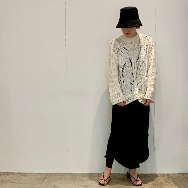【Mame Kurogouchi】Curtain Lace Pattern Knitted Pullover / Floral Embroidered Bucket Hat