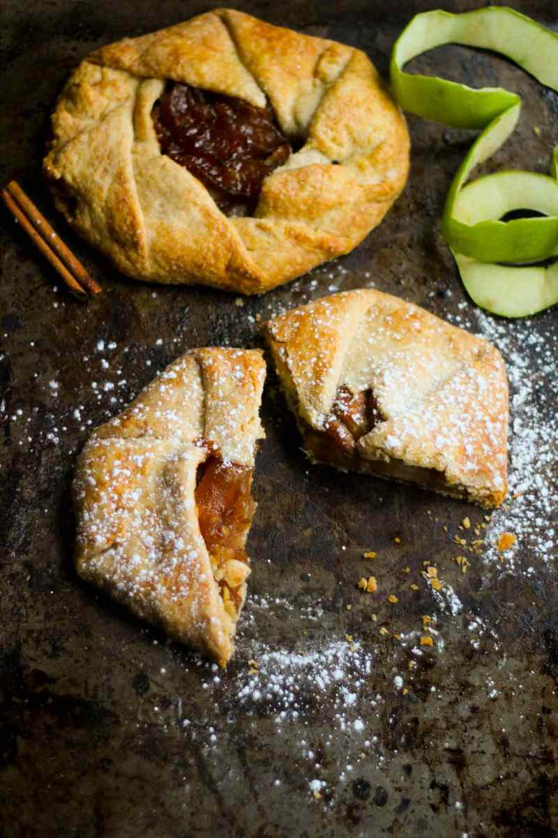 My take on the classic Italian Apple Crostata is the perfect dessert for your dinner parties! Sweet and tangy apples wrapped in a crumbly and buttery crust and can be made the night before!