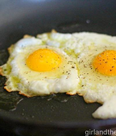 How to make... perfect overeasy eggs