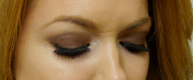 anastasia-beverly-hills-eyebrows-dipbrow-auburn-pomade-review-demo-swatch.jpeg
