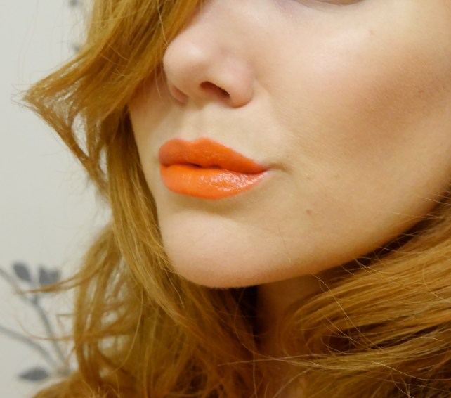 Ring In A Spicy Hot Palette Of Colors That Go With Orange: Orange Lipstick, Oooo, We Trendy!