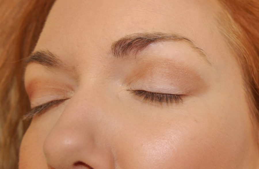 """Crease shade blended out to a gentle """"V"""" smokey shape."""