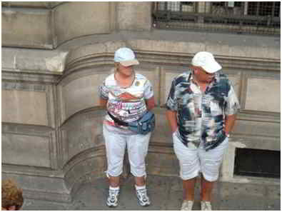 what not to wear as a tourist - typical tourists