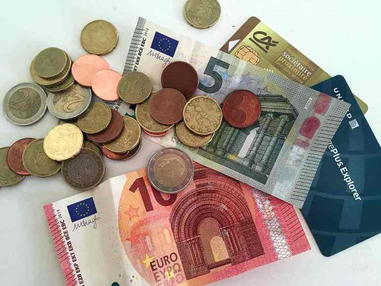 Euro dollars - Budget travel in France