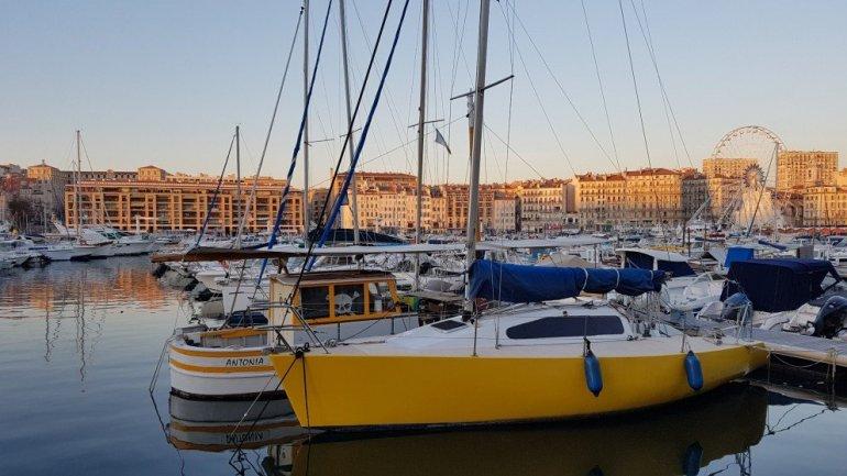Silent Sunday - Marseille - Vieux Port