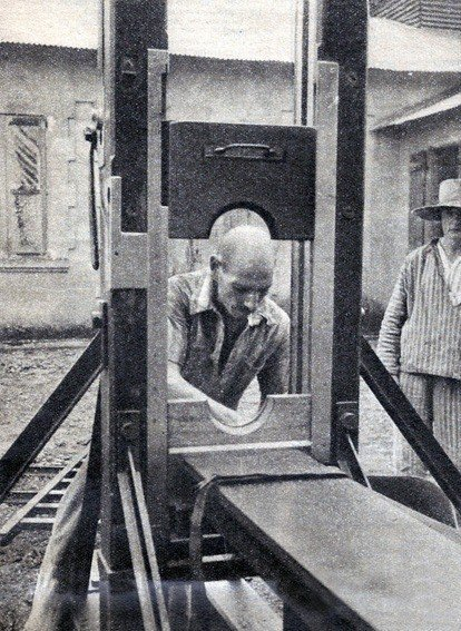 Friday Fun Facts – The Guillotine