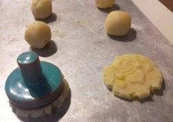 French Butter Cookies - Sablés Normand - carefully stamp all dough balls