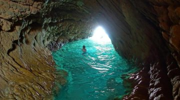 Provence's Blue Coast - Grand Méjean La Grotte Marine