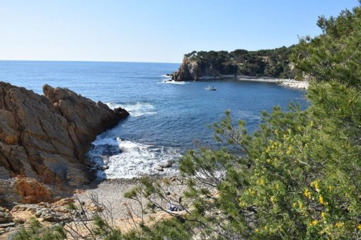 Provence's Blue Coast - views across Figuires
