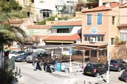 Provence's Blue Coast - Grand Méjean restaurant Mange Tout