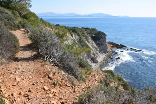 Provence's Blue Coast - continue towards Figuières