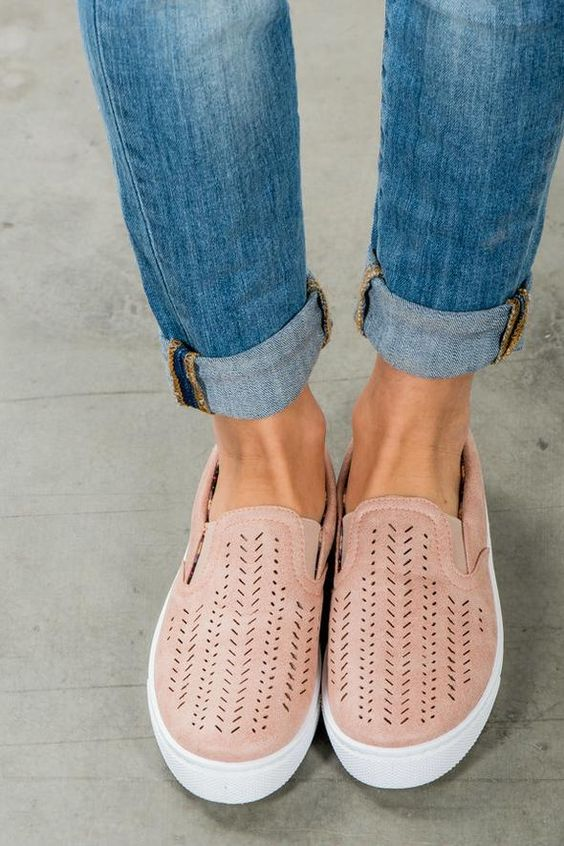 WHAT to wear in PARIS - casual breathable slip on footwear
