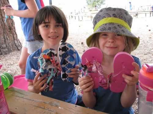 Girls doing flip flop craft