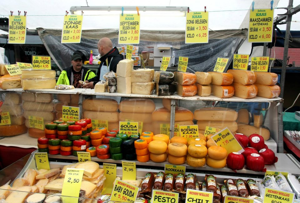 amsterdam-cheese-stand-at-street-market