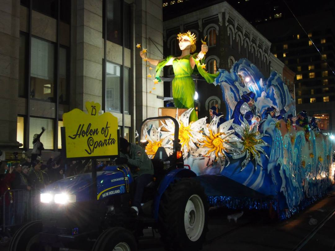 mardi-gras-parade-float-new-orleans