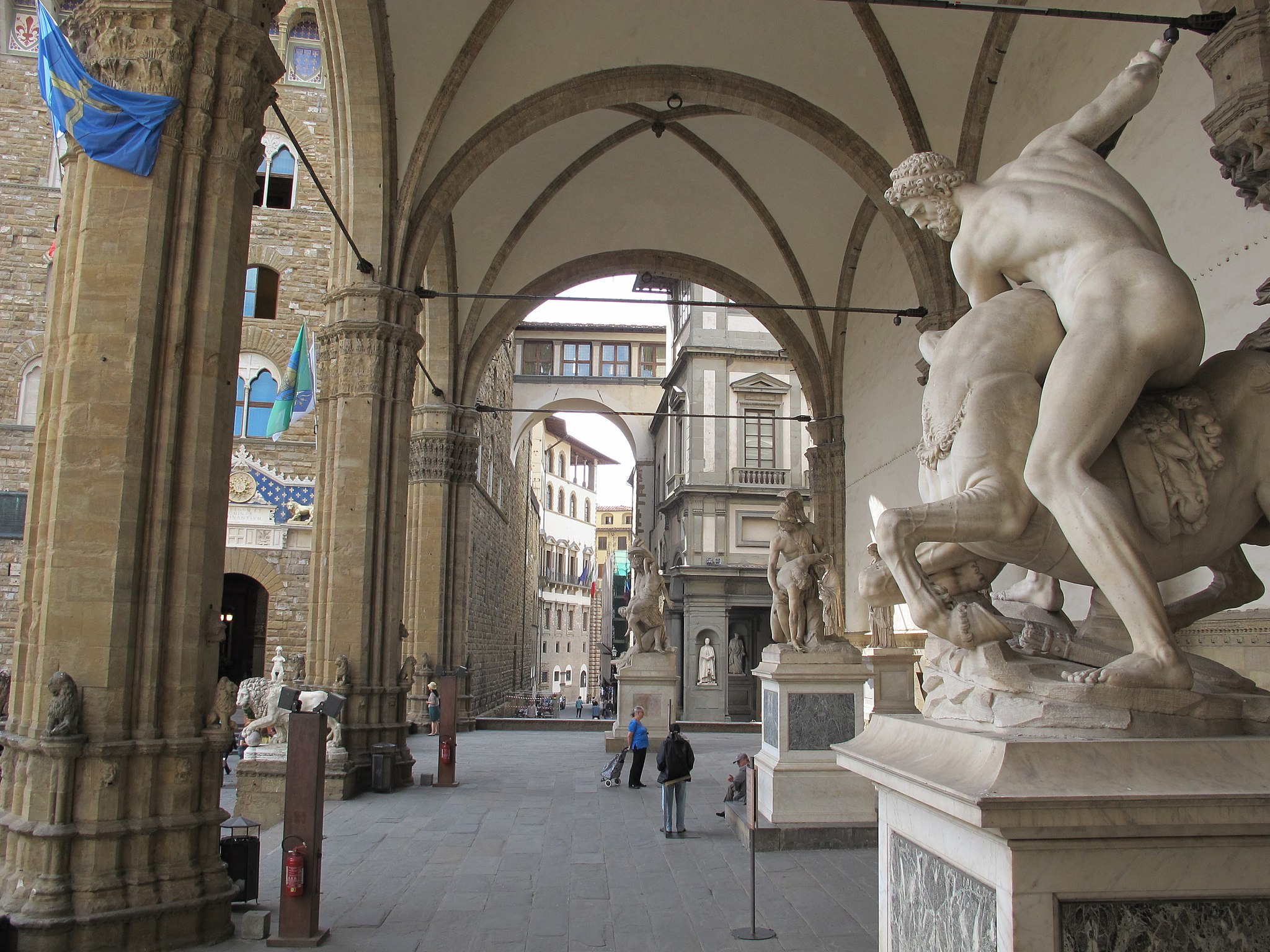 A Walk Through Florence S Outdoor Sculpture Gallery Loggia Dei Lanzi Girl In Florence