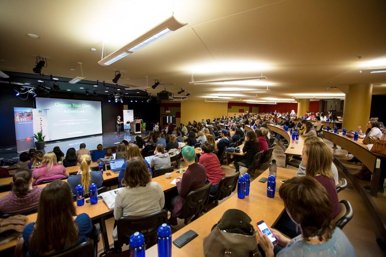 Women Techmakers Montreal 2018 - Une salle de conférence remplie