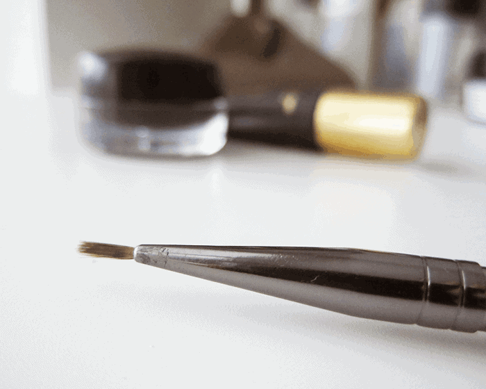 The Tiniest of all Eyeliner Brushes… and its Under $5