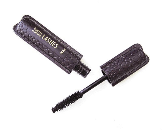 tarte lights camera lashes mascara review girllovesgloss.com