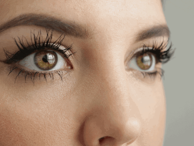 Charlotte Tilbury Legendary Lashes Mascara review and before and afters