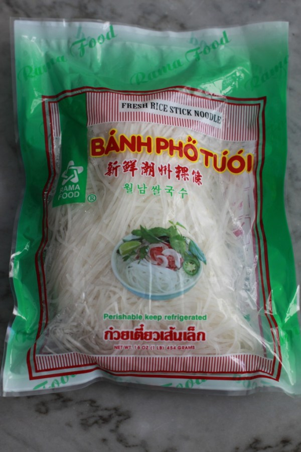 fresh rice noodles www.girlontherange.com