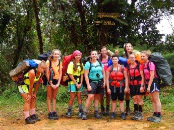 girl-scouts-hike-through-the-rainforest-with-outward-bound-costa-rica-1