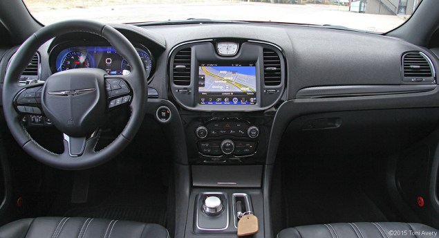 2015 Chrysler 300S interior