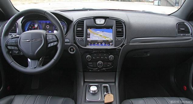 2015 Chrysler 300S interior
