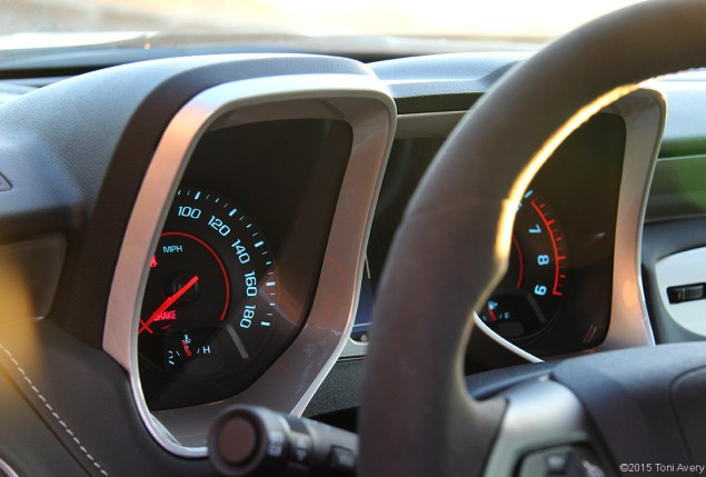 2015 Chevrolet Camaro SS 1LE gauges