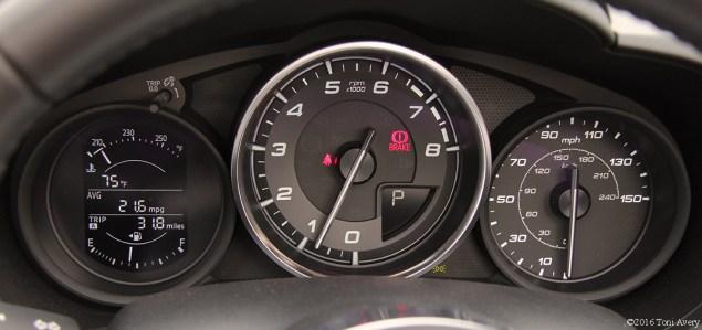 2017 Fiat 124 Spider Launch Lusso gauges
