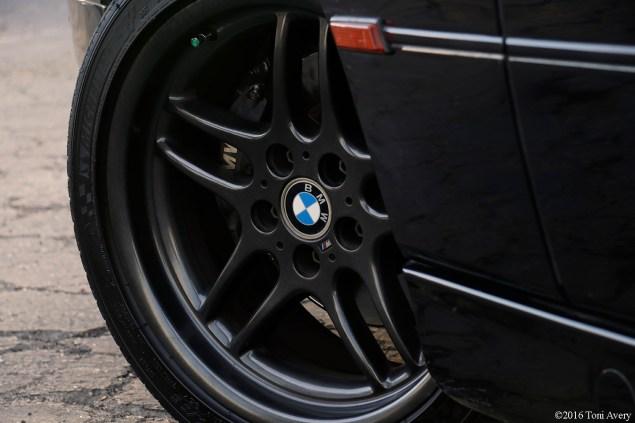 1995 BMW 840 wheel